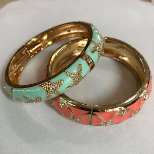 Jewelry - Pair of elegant hinged bracelets